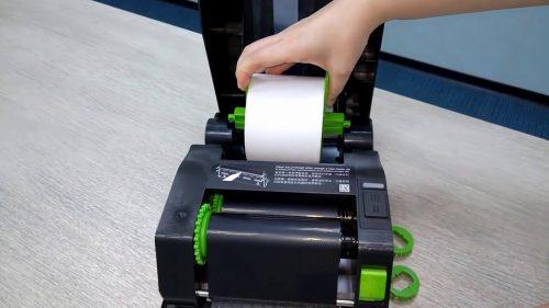 cách lắp giấy vào máy in mã vạch
